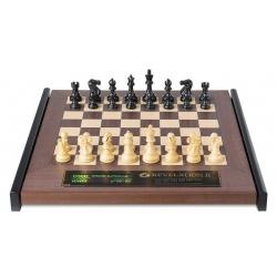 Šachový počítač Revelation II s figurami Classic