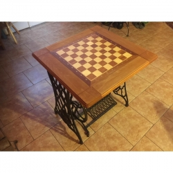 Šachový stolek Singer